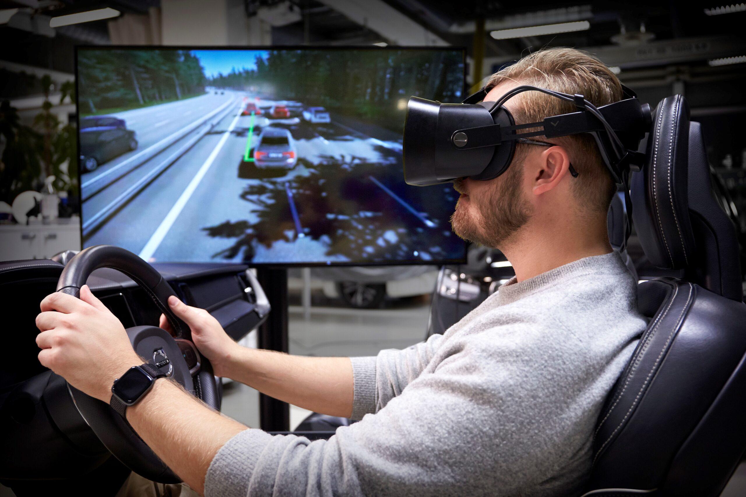 Simulatore di guida Volvo, la realtà supera i videogiochi