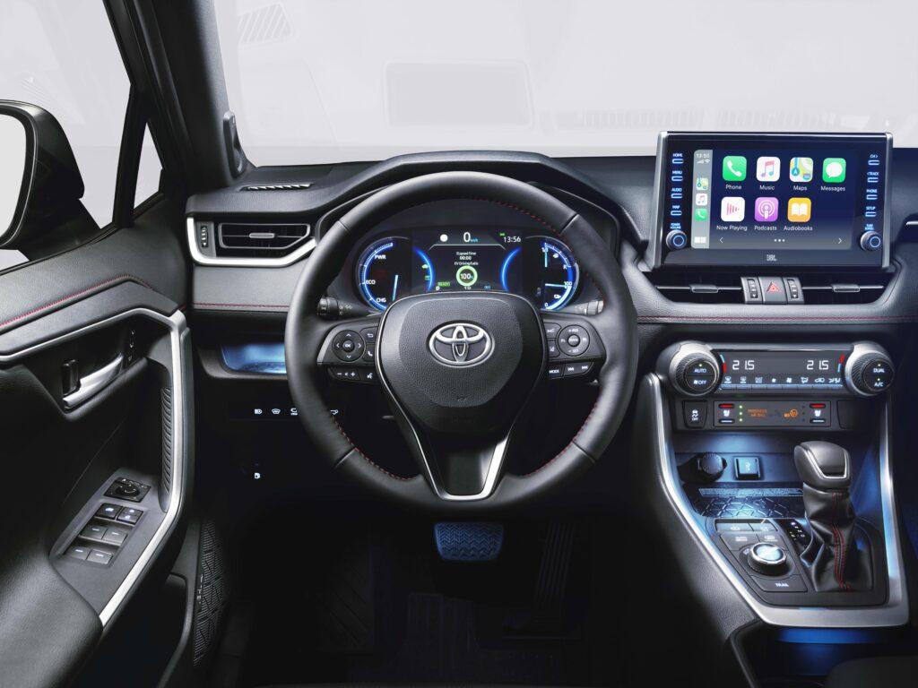 Toyota RAV4 Plug-in interni posto guida
