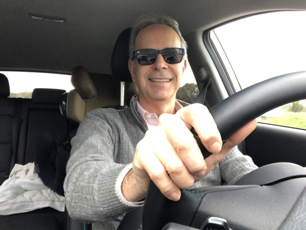 FO di volto al volante Kia e-Niro