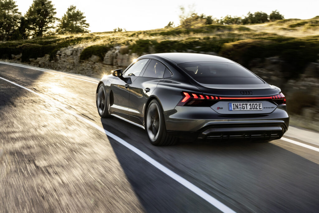 Audi e-tron GT dinamica vista posteriore