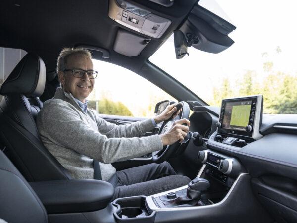 Toyota Rav4 plug-in hybrid prova FO interni