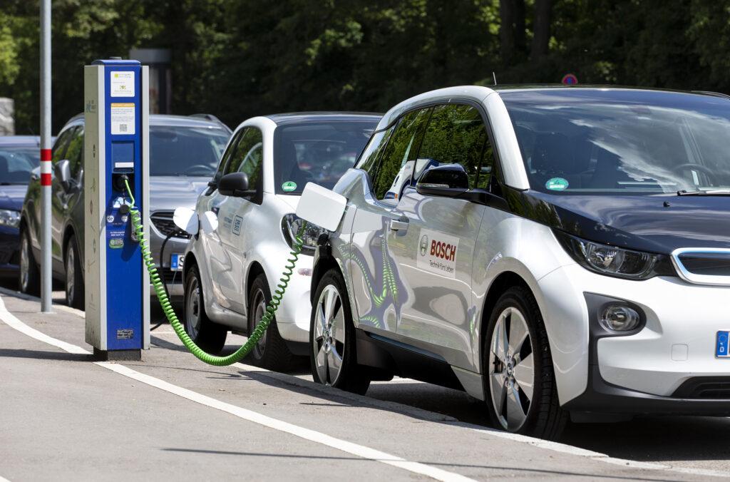 Bosch auto elettriche ricarica