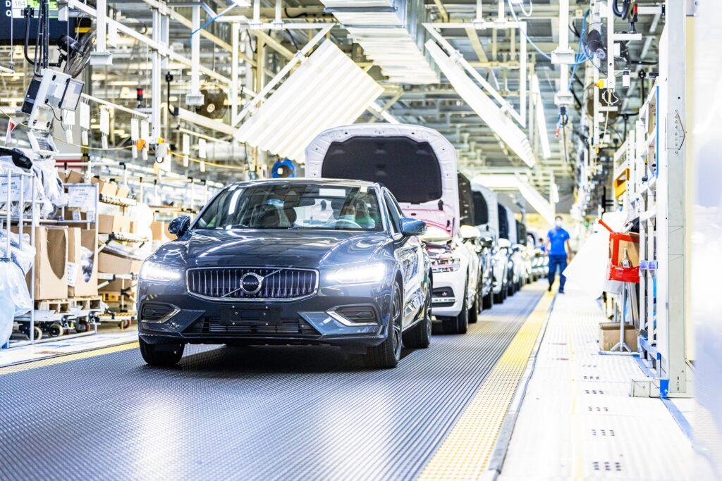 Volvo produzione Cina Daqing