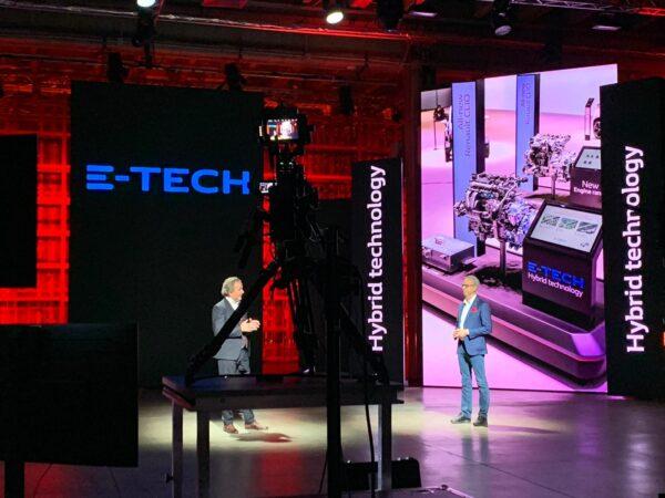 Renault E-Tech regia Convention Arkana