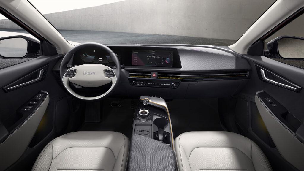 Kia EV6 interno vista frontale