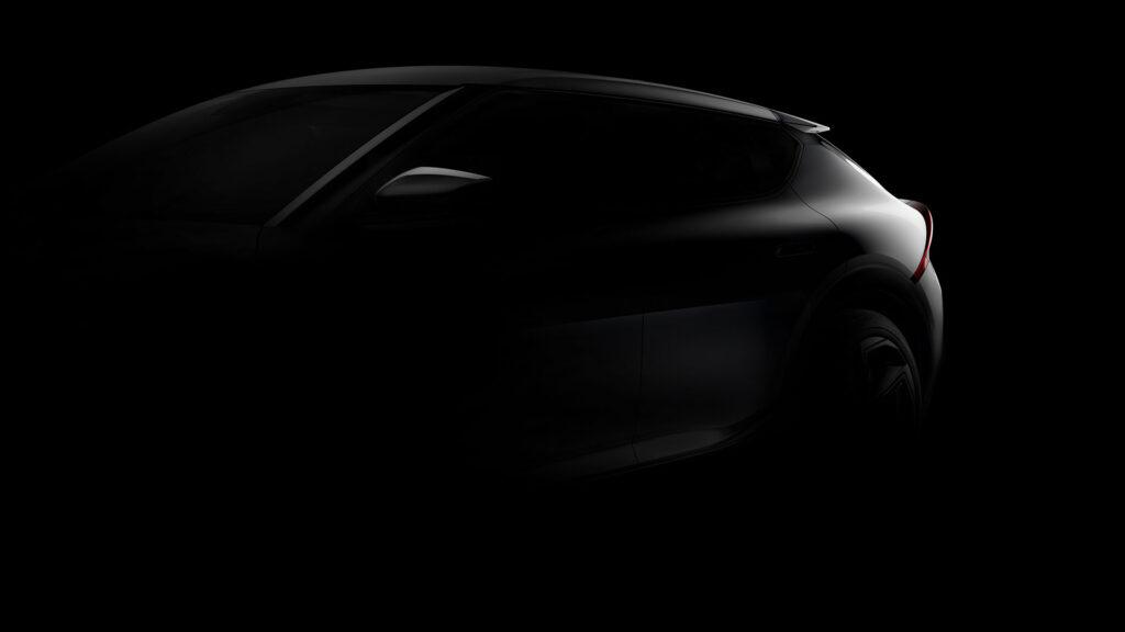 Kia EV6 silhouette tre quarti avanti