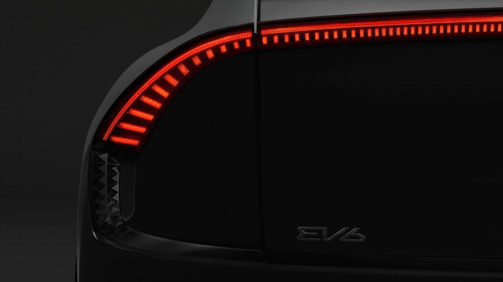 Kia EV6 prima immagine faro posteriore