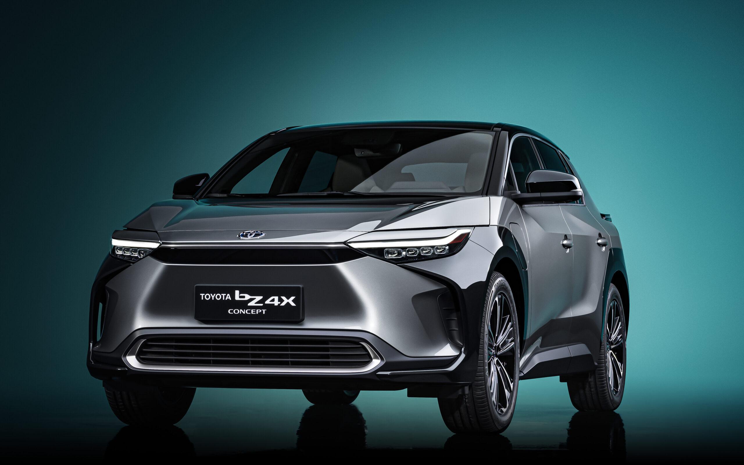 Toyota bZ4X concept avanti tre quarti