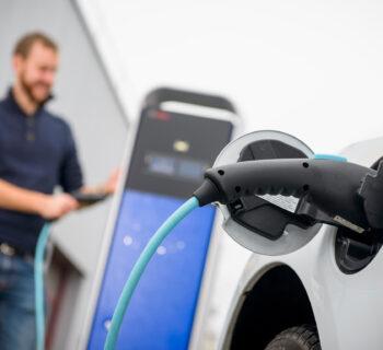Bosch punta su elettromobilità, idrogeno e internet delle cose