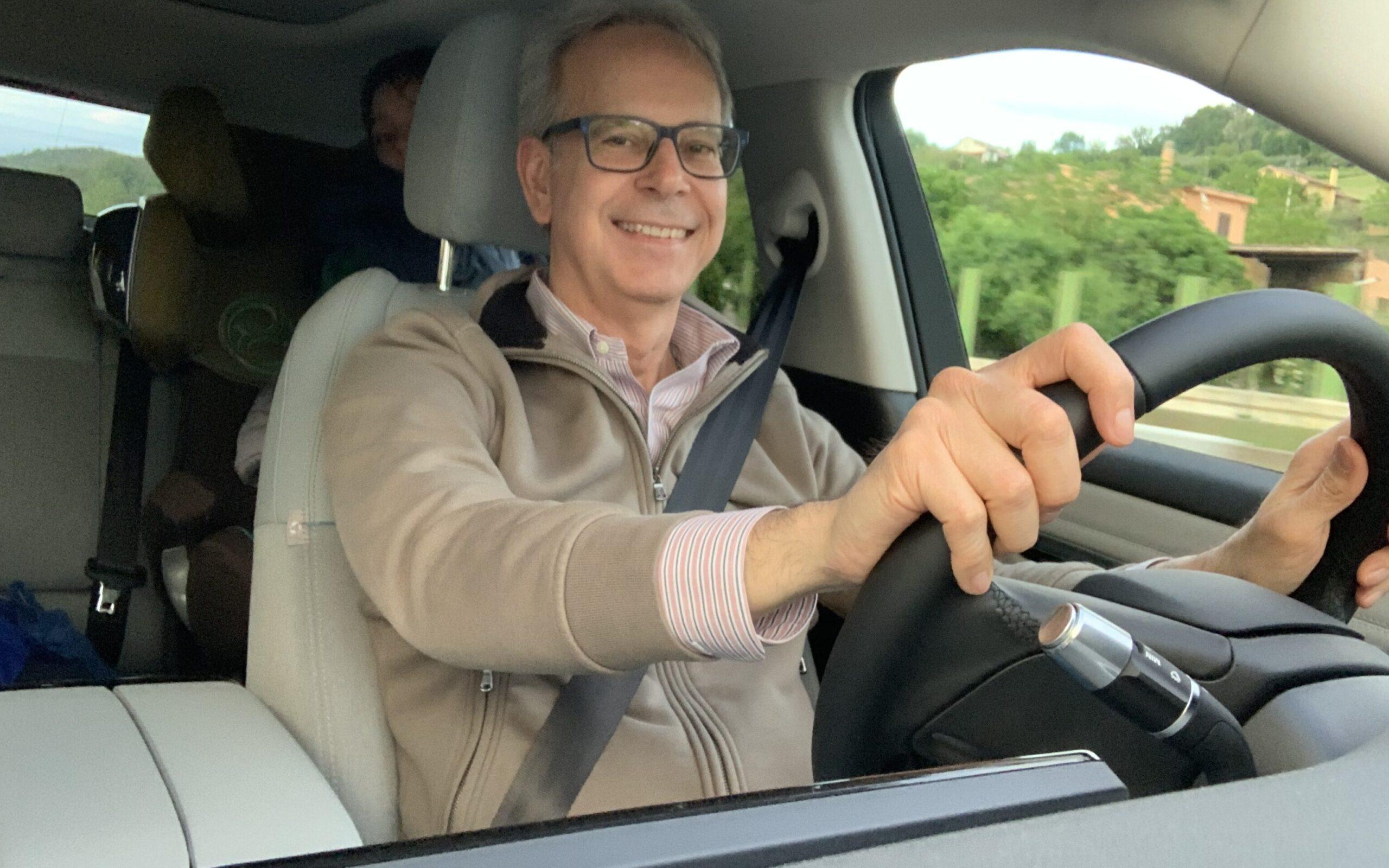 FO alla guida Range Rover Evoque Phev