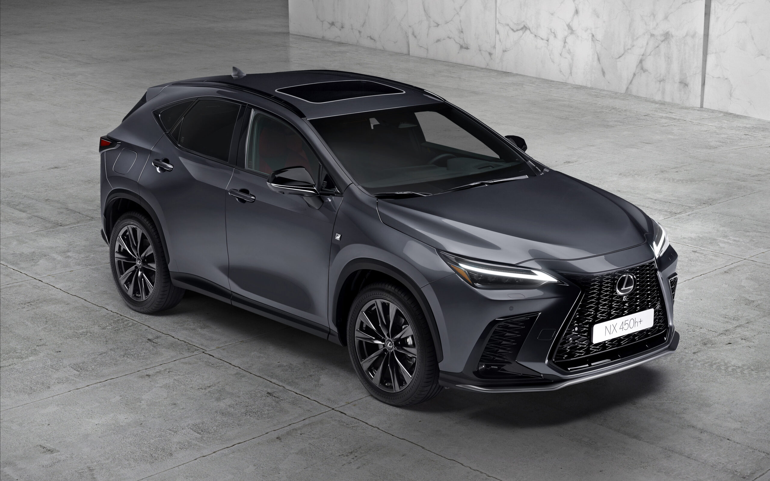 Lexus Nx plug-in avanti