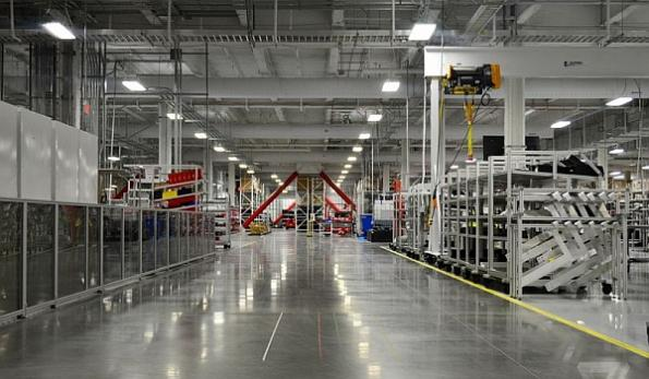 Tesla Panasonic Gigafactory interno