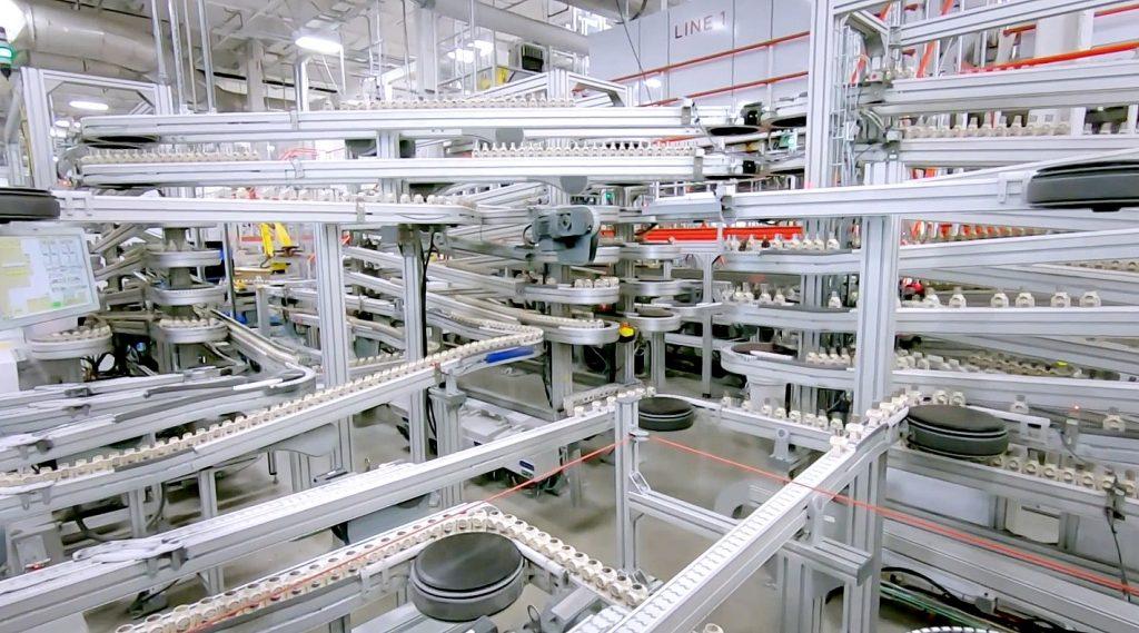 Assemblaggio batterie Gigafactory Tesla