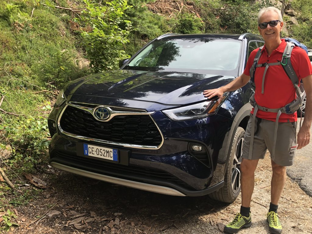 Fabio Orecchini con Toyota Highlander Dolomiti