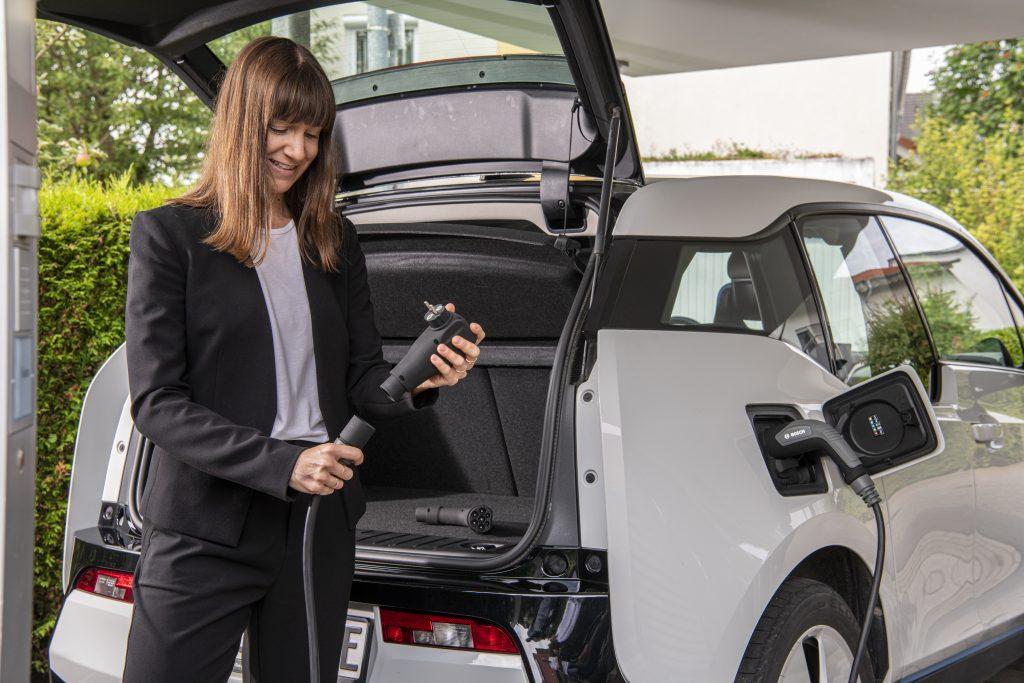 Bosch smart charging cable adattatore Schuko