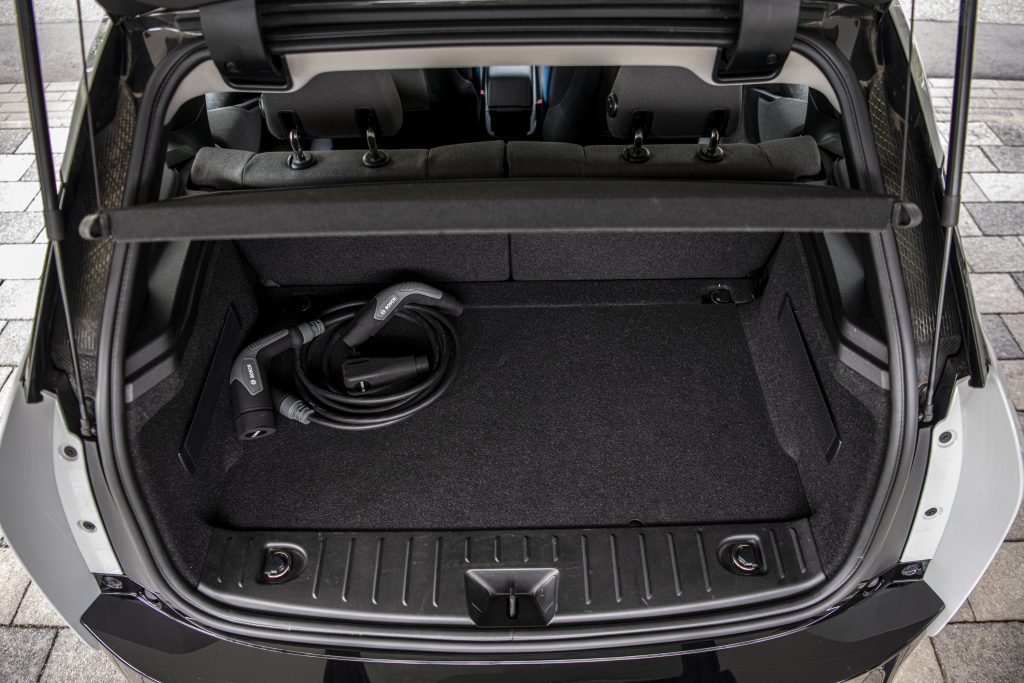 Bosch smart charging cable nell bagagliaio