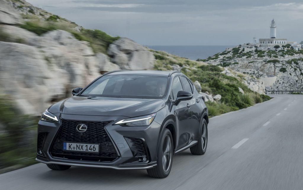 Lexus Nx frontale dinamico